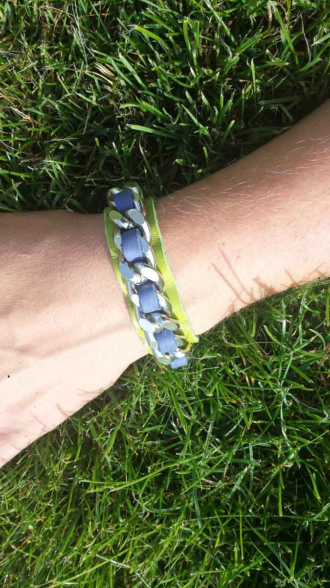 Armband, grün-lila