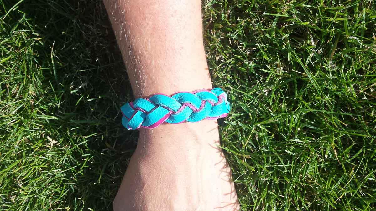 Armband, türkis-pink